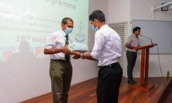 Medical Faculty Students Union Gives Book Scholarship